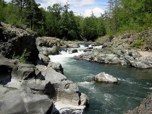 Порожистые участки реки Кема