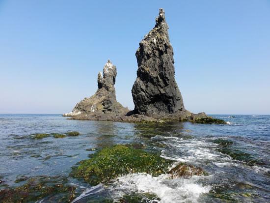острова два брата