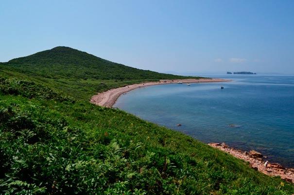 Лагуна острова Желтухина